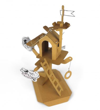 Domek na drzewie z tektury